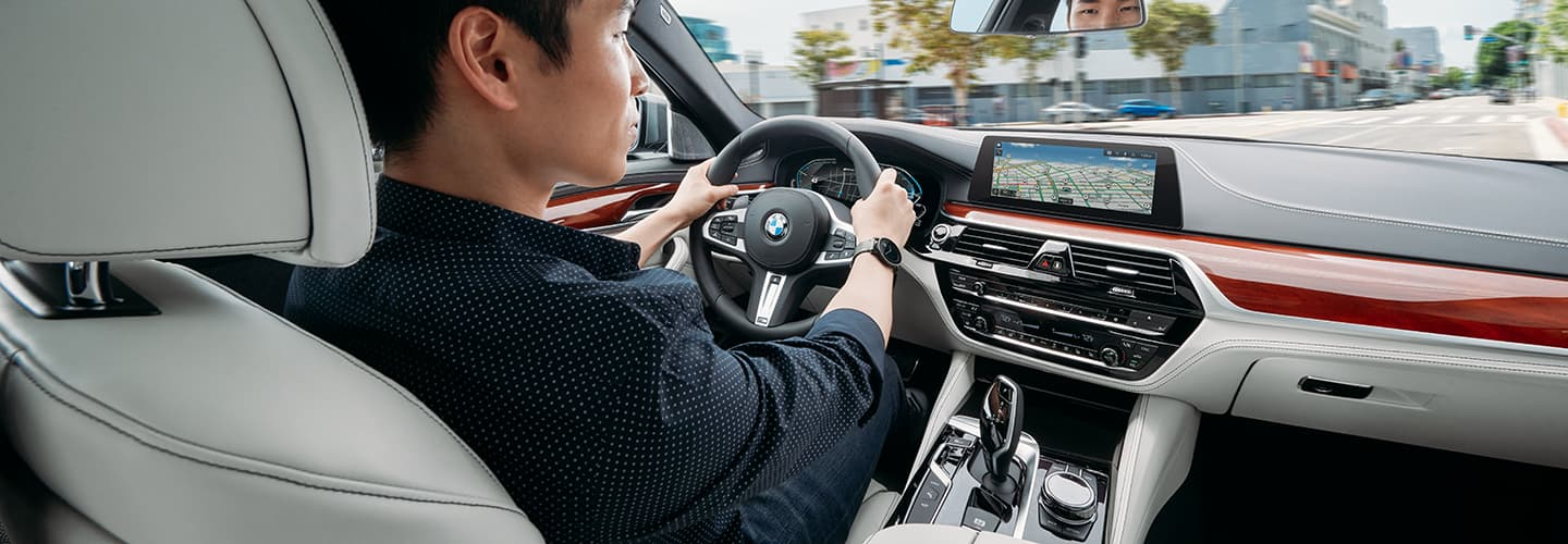 2020 BMW 5 Series Interior - Seats and rear passenger screens