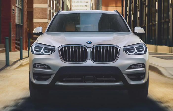 Front view of the 2021 BMW X3