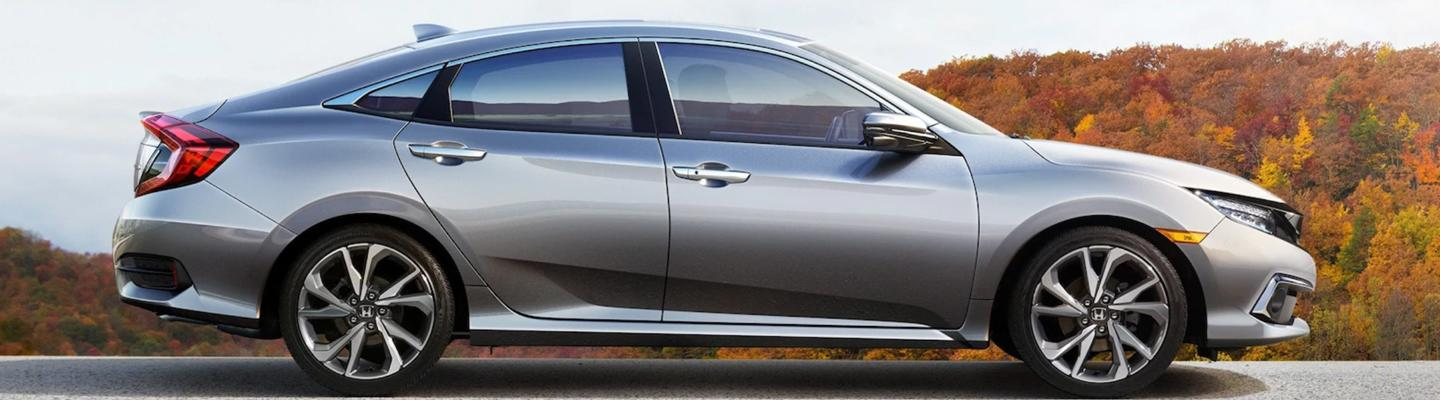 Side profile view of the 2021 Civic