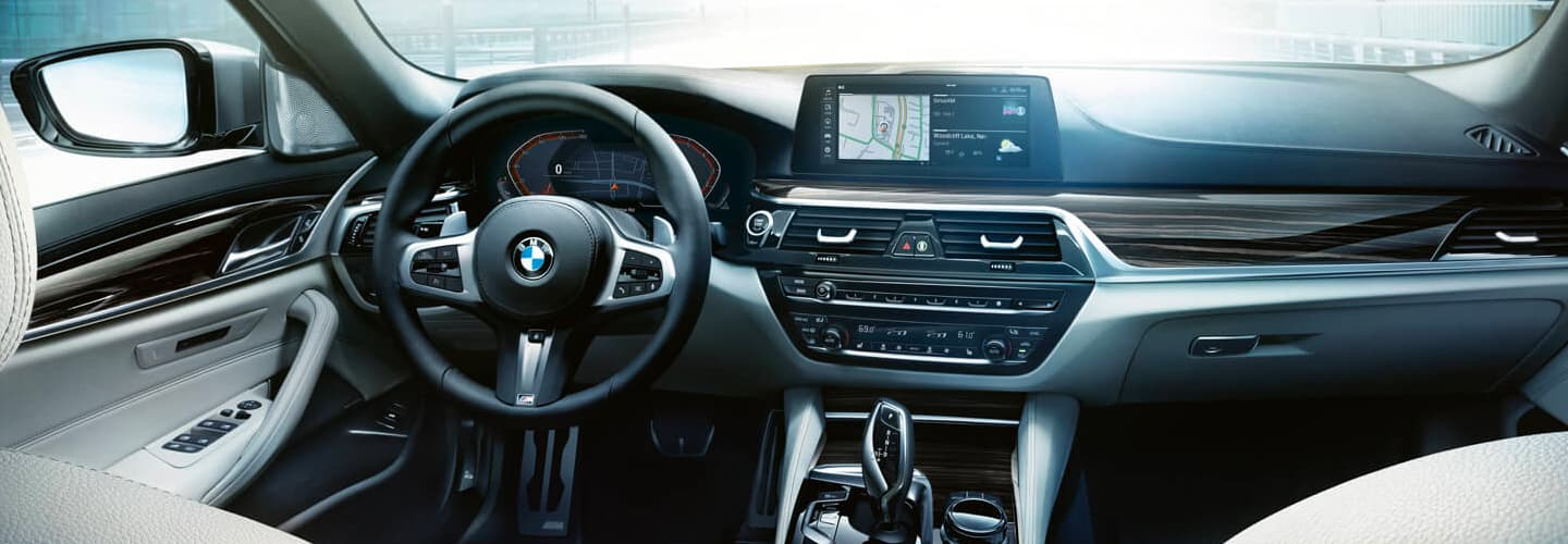 2020 BMW 5 Series Interior - Dash, Technology, and Stereo