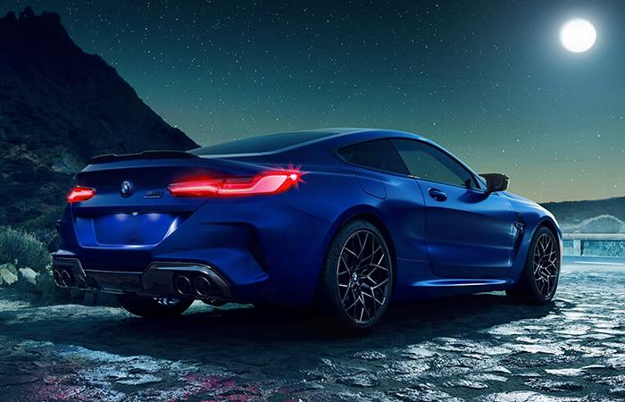 Rear passenger view of the 2020 BMW M8
