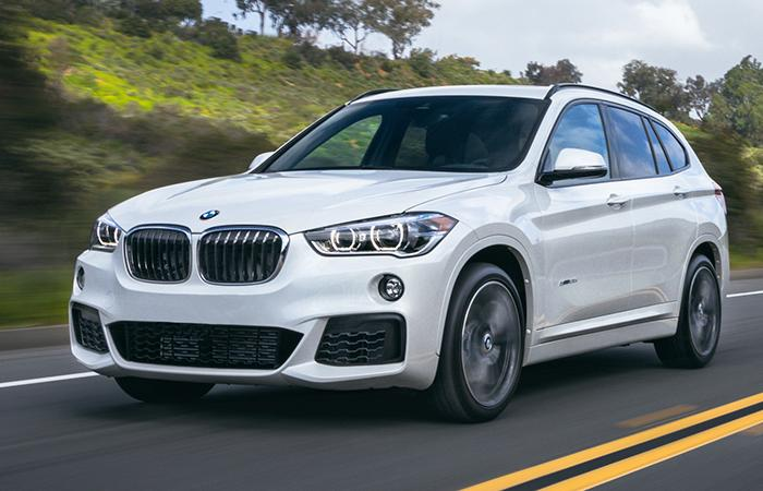 Front view of the 2021 BMW X1