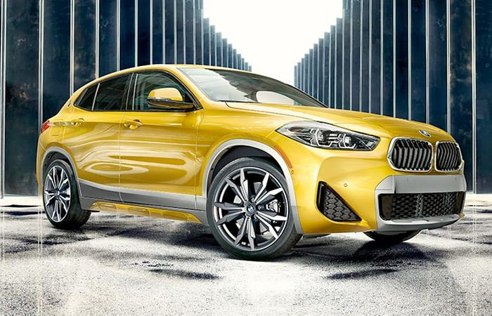 Front view of the 2021 BMW X2