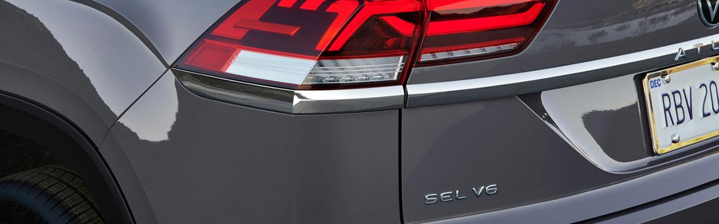 Detailed view of the 2021 Atlas Cross Sport rearview mirror